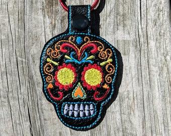 Sugar Skull Keychain, Day of the Dead Keychain, Skull Accessory, Skull Keychain, Dia de los Muertes, Black Sugar Skull, Skull Charm