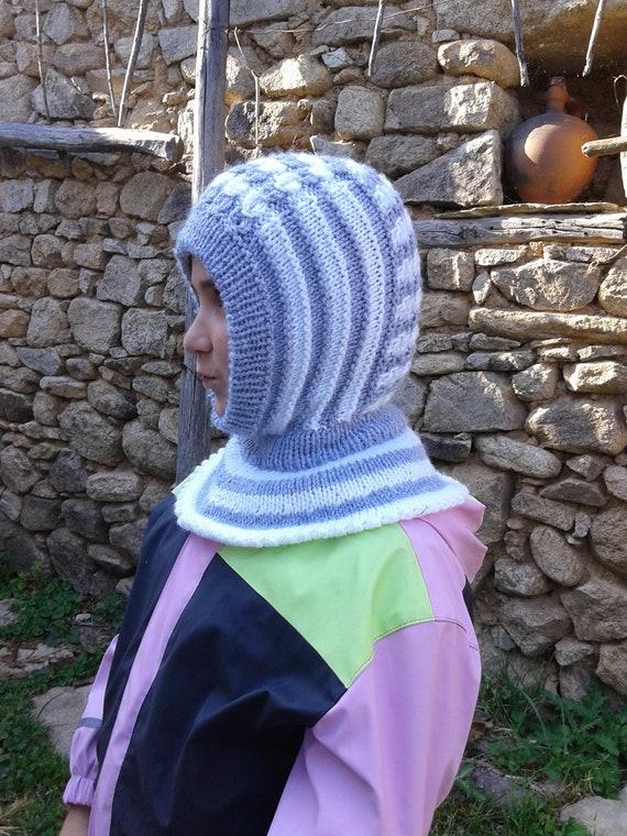 f92638359311 Cagoule dhiver blanc gris bonnet tricoté avec cache-cou   Etsy