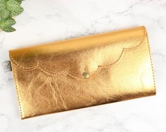 d59c0bbe40c914 großes portemonnaie || vegan || maxi plus || gold || wellen.