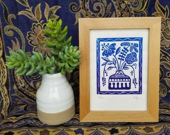 modern blue vase with flowers linoprint. 5x7.