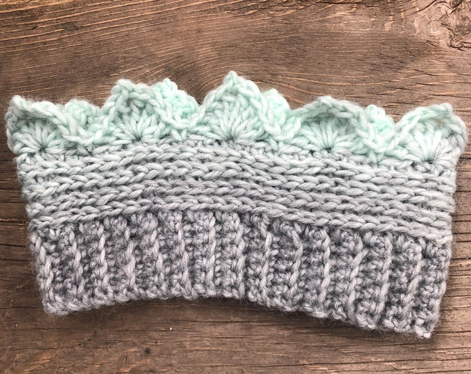 CROWN EAR WARMER: Icy Mint | Crochet ear warmer, crochet headband, winter ear warmer, winter headband, crown headband