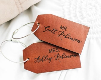 Mr Mrs Luggage Tag, Personalised Leather Luggage Tag,Stocking Filler Idea for Couple,  Wedding Gift for Couple, Honeymoon Gift for Newly Wed