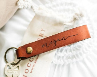 Christmas Gift for Girl, Keychain for Women, Personalised Leather Keyring, Stocking Stuffer Idea, Bridesmaid Gift, Stocking Filler Idea,
