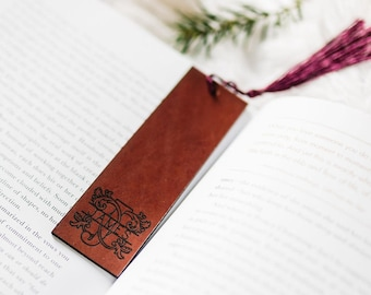 Monogram Bookmark, Personalised Leather Bookmark, Gift for Him, Christmas Gift For Employee, Gift for Book Club, Gift for Teacher
