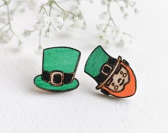 St Patrick Day Earring, Leprechaun Earring, Irish Jewelry, Green Stud Earring, Wood Jewellery, little bearded men, Surgical Steel  Earring.