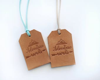 Adventure Awaits Luggage Tag - Christmas Gift for Adventurer - Leather Luggage Tag - Custom Logo Luggage Tag - Gift Idea for Traveler