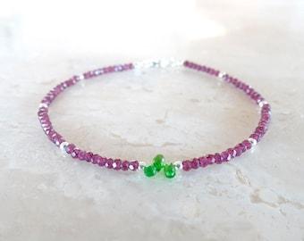 Dainty Garnet bracelet, Christmas bracelet, Delicate Garnet and chrome diopside jewelry, January birthstone, Red and green beaded bracelet