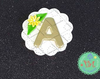 Fondant Monogram Daisy Cupcake Toppers (12) - Fondant Cupcakes Toppers