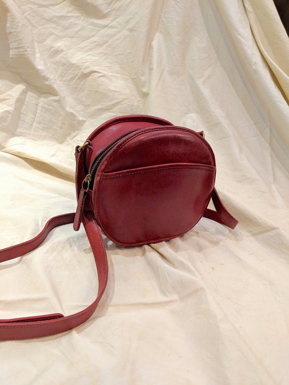 d2450127b128 Vintage Coach Chester Canteen Red Leather Round Circle Cross