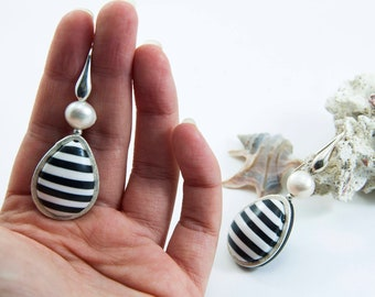 Drop Earrings | 925 Sterling Silver Earwire | Handmade in Italy | Dangle&drop black and white stripes | Freshwater White Pearl Italian Style