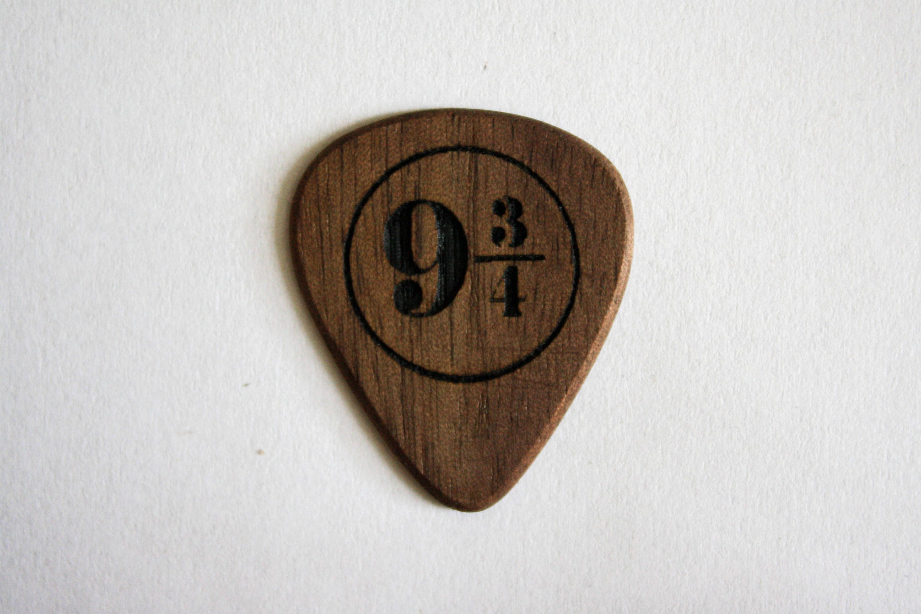 9 3/4 pick for ukulele and guitar Harry Potter wooden