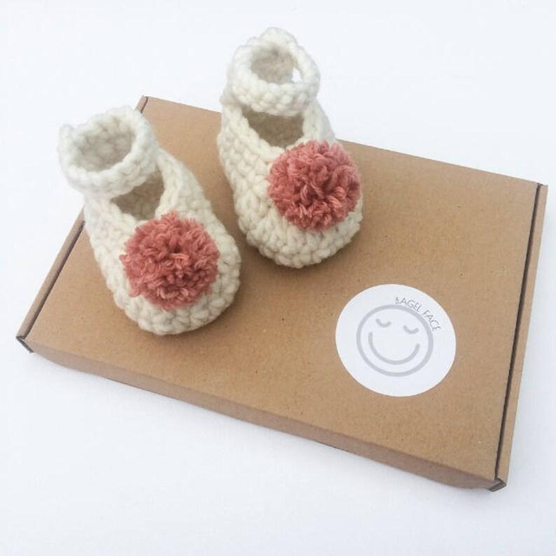 c9fb3c747f73 Crochet pom pom baby shoes baby pom pom slippers crochet