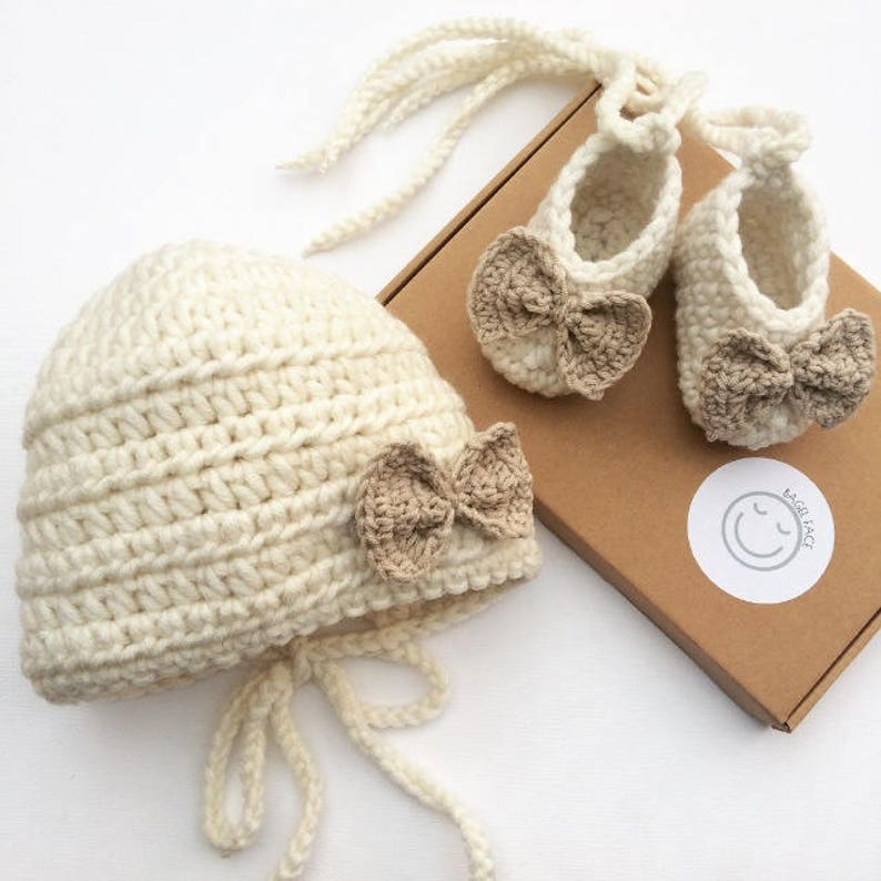 0b296c5436f69 New baby gift set, crochet baby gift, baby girl gift set, baby shower gift,  baby girl bonnet, baby girl shoes, pregnancy announcement