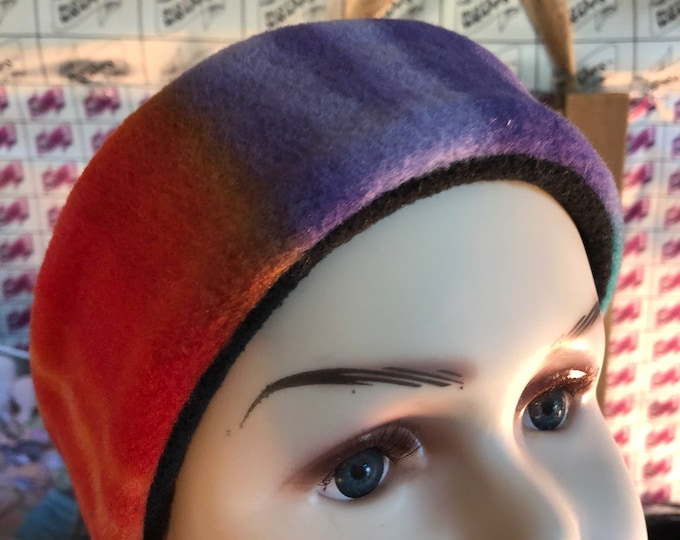 Bustawrapps are head wraps that cover the ears and forhead during those cold and windy winter months. These are for small child or baby.