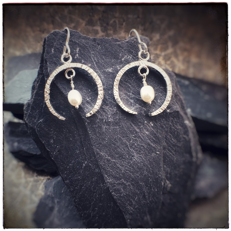 Hammered sterling silver crescent moon earrings with fresh image 0