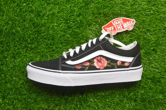 Old Custom Iron Vans Skool Embroidered On White Shoes Sneakers Rose Black SO5On6