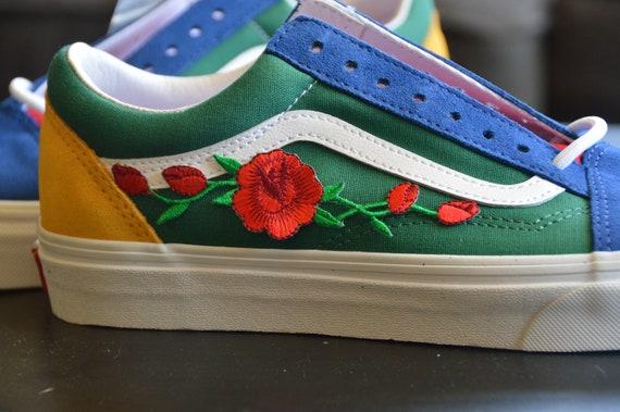 Vans Custom Yacht Club Red Rose bestickt Eisen auf Schuhe Sneakers