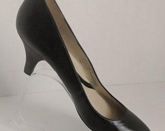 ece127bb7cf Professional Pumps Professional Career Shoes Comfort Pumps Vintage Pumps  Shoes Comfort Shoes Low Heel Pumps Low Heel Shoes Low Heel Kitten