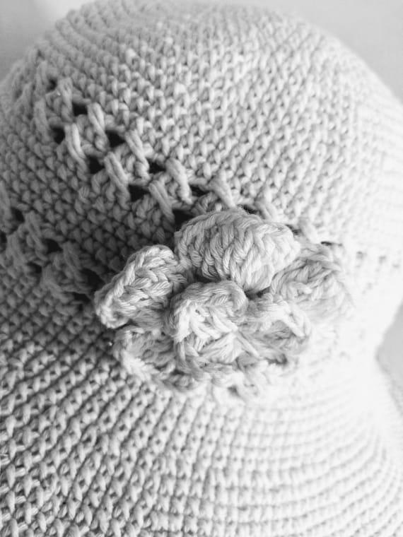 Summer Bucket Hat Wide Brim Crocheted Vintage - image 6