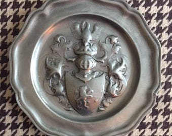 Vintage Pewter   Coat of Arms Plaque. Wall hanging. Royal crest. Knight. Armor. Heraldry.