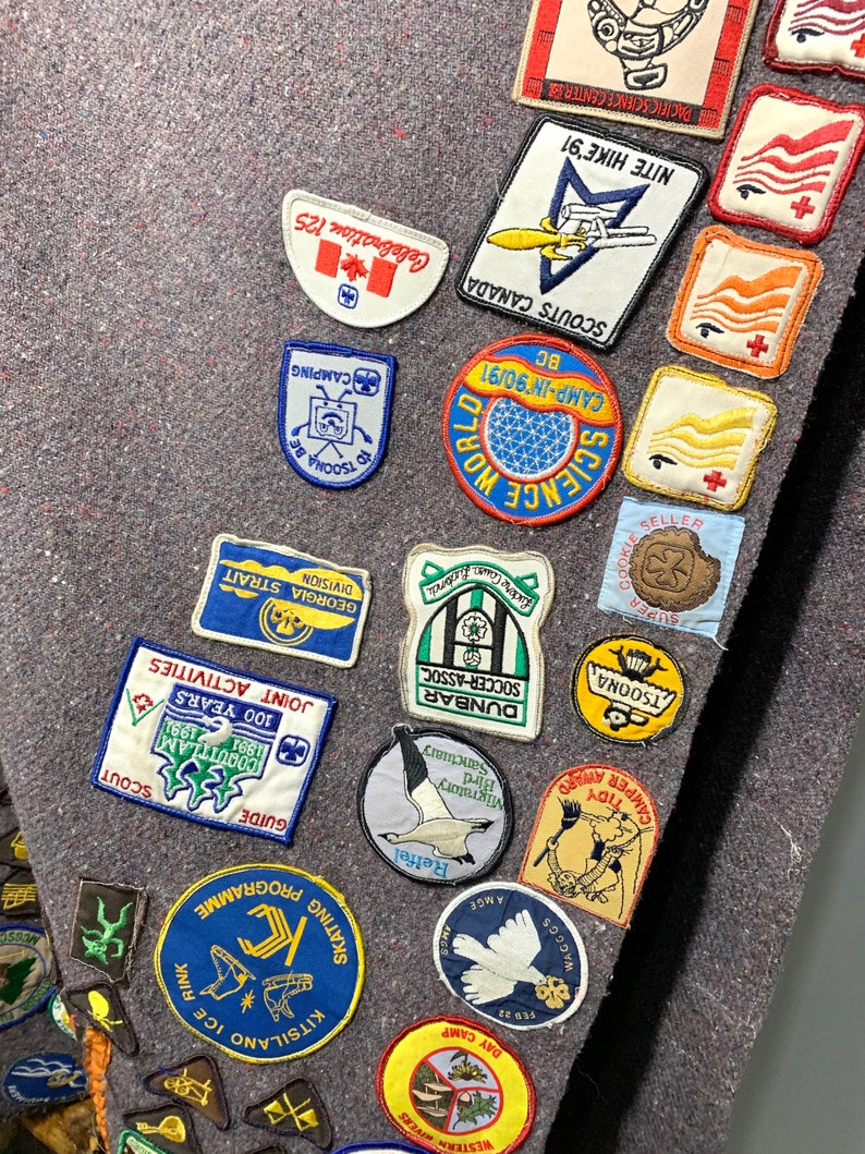 Camping Rustic Outdoor Badges Patches Canadiana. Survival Skills Vintage Girl GuidesBrownies Blanket Poncho