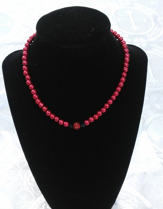 Volianne (Dark Rose) Neck Gem