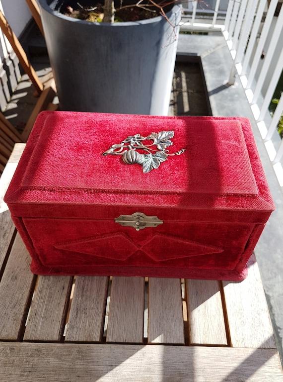 Victorian Red Velvet Jewelry Box