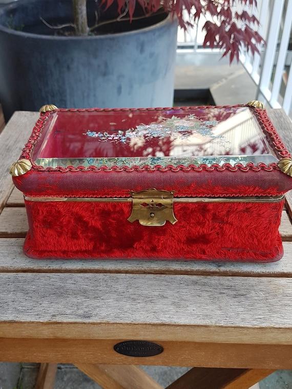 Art Nouveau Velvet Jewelry Box - image 2