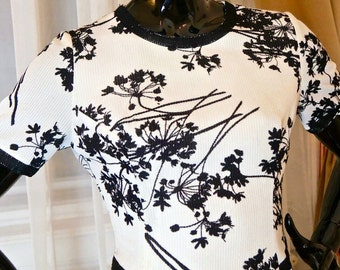 Finnische Vintage Floral-Kleid, schwarz weiß japanischen Stil Blume Silhouette Midikleid, knielanges Retro Kleid: Größe 10 USA, Größe 14 UK