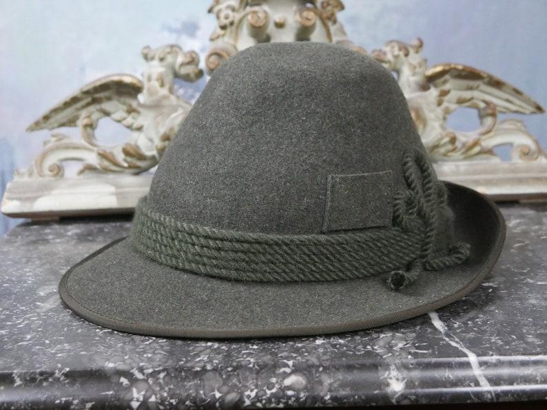 b06690fbb Tyrolean Alpine Hat, Austrian Vintage Olive Green Wool Felt Bavarian  Octoberfest Fedora w Braided Cord Band & Feathers: Medium (7 1/8 US)