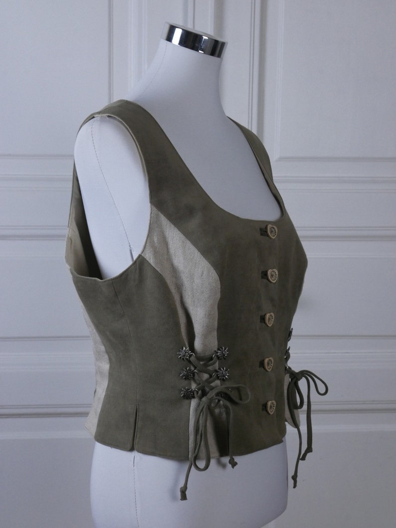 1618 UK Size 1214 US Austrian Cropped Vest Green /& Beige Trachten Dirndl Bodice w Heart Buttons and Edelweiss Corset Lacing on Sides
