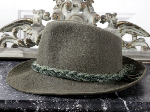 image 0 image 1 image 2 image 3 image 4 image 5 image 6 image 7 image 8 image 9 ????zoom Bavarian Hat, Austrian Vintage Olive Green Wool Felt Fedora w Braided Cord, Octoberfest Hat: Size Small (6 3/4 US)