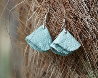 6X8 SKY BLUE Ruffle Waves Embossed Genuine Leather sheet for DIY Earrings Braided Palm Shoes Leather Supplier for Cutout Earrings