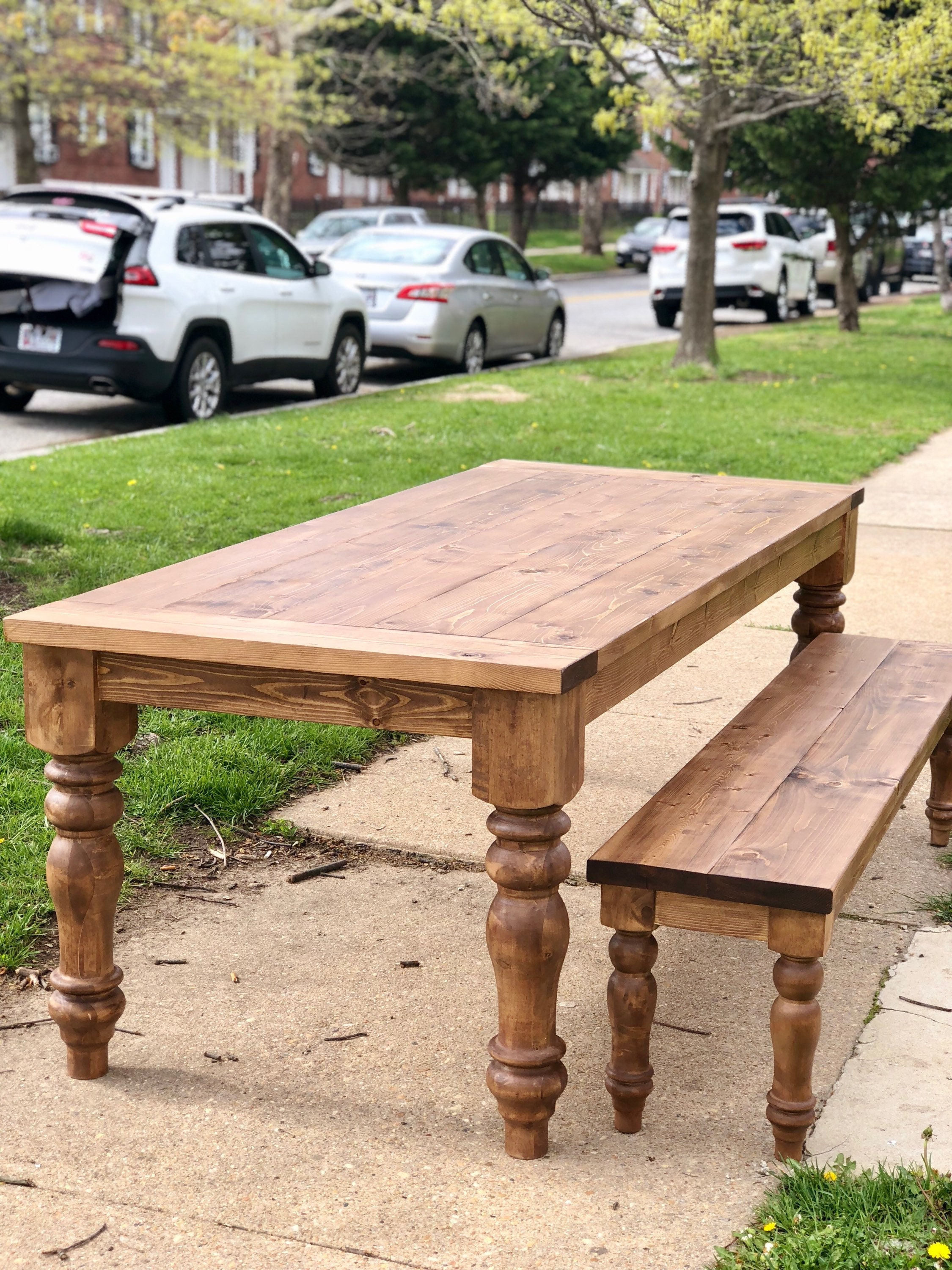 Free Shipping Farmhouse Style Chunky Turned Leg Dining Table