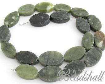 1 Ovalststrand natural stone green jewelry stone