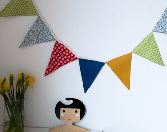Pennant chain * Desired colors & desired pattern * Desired length