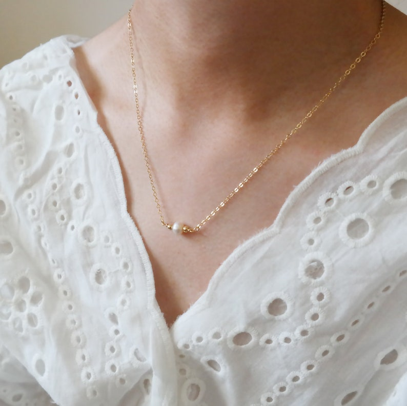 Natural Shaped White Peach Color Dainty Necklace Wedding Gifts For Women Jewelry 14k Gold Fill  Chain Freshwater Pearls Necklace