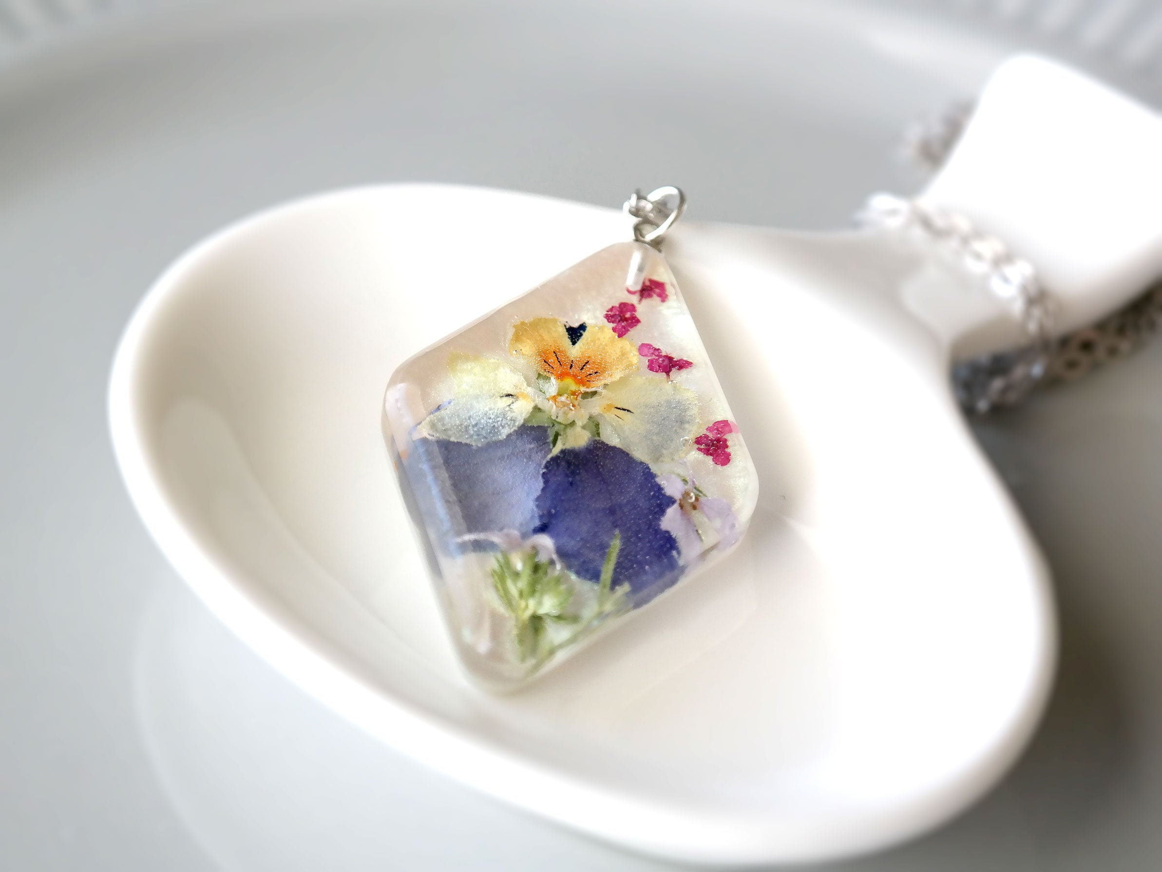 For Women Girls Pressed Flower Jewelry Resin Necklace Birthday Anniversary Gift for Her