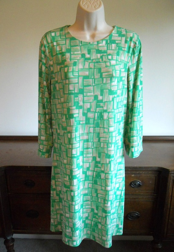 Vintage 1970's Green Dress ~ Retro Chic Dress ~ Ge