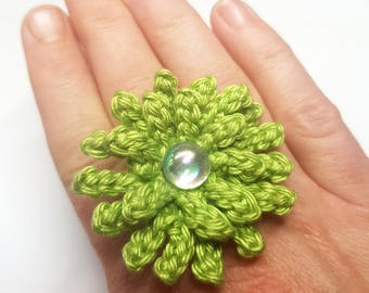 Green crochet ring