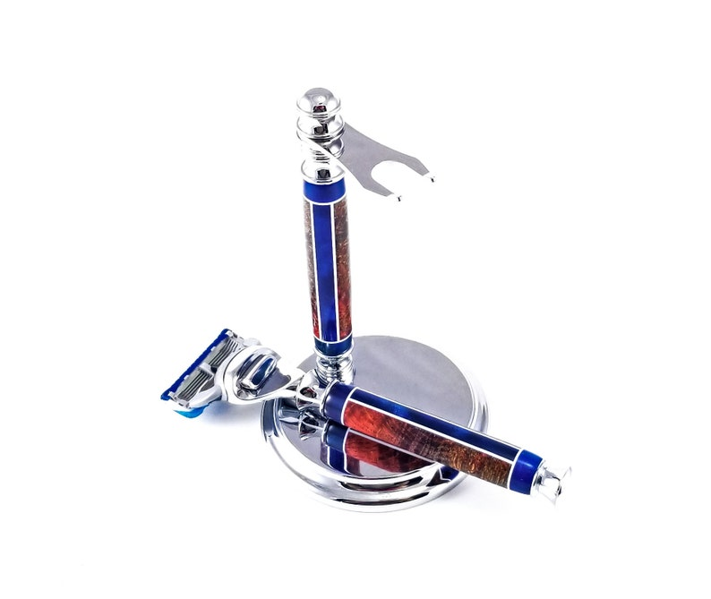 Shaving Kits with Razor Stand, Hand Turned Gillette Razor and Stand  Personalized Groomsmen Kits
