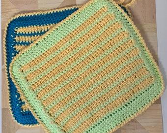 Classic Striped Crochet Potholder Pattern - Crochet Hotpad Pattern - Fun and Trendy Crochet Potholder Pattern