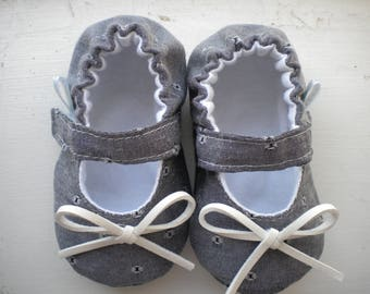 Baby handmade shoes, baby mary janes, crib shoes, baby gift, shower gift