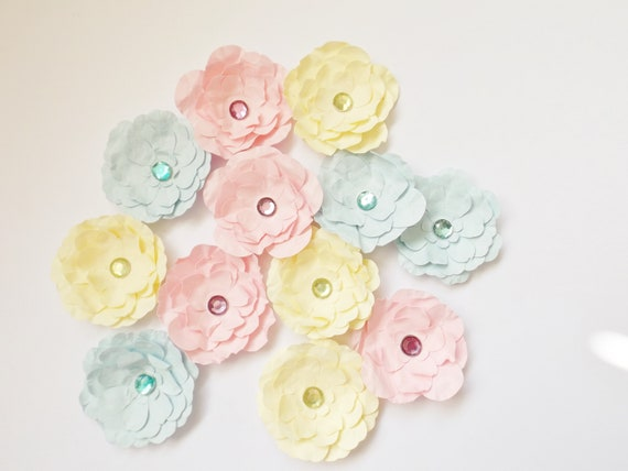 Easy Paper Pinwheel Flower Embellishments | DIY CRAFTS - YouTube | 427x570