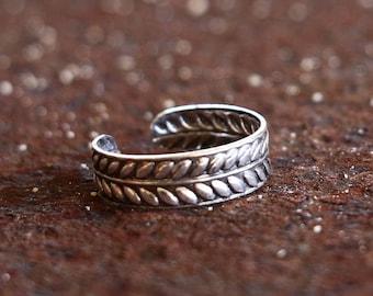 Laurel Toe Ring - 925 Sterling Silver Toe Ring - Adjustable - Roman - Wreath - Jewellery - Jewelry - Stamped - Boho - Modern - Everyday