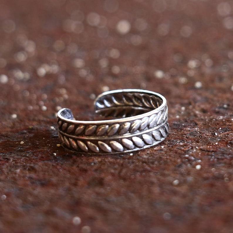 Laurel Toe Ring  925 Sterling Silver Toe Ring  Adjustable  image 0