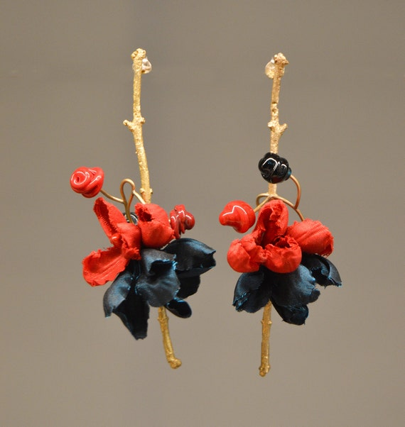 Earrings Branch silk flower Flourist Collection