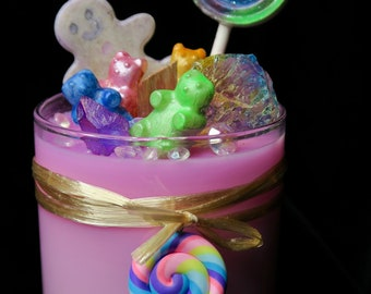 Hansel and Gretel's House - Luxury Wax with Crackling Wooden Wick - Handmade wax candies and colorful quartz  - Strawberry Lollipop Scent