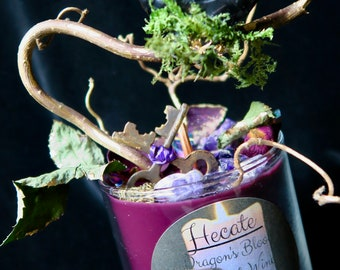 Hecate Luxury Wax Candle with Crackling Wooden Wick Dragon's Blood & Red Wine - queen of witches, Amethyst and Black Tourmaline Moon, Quartz