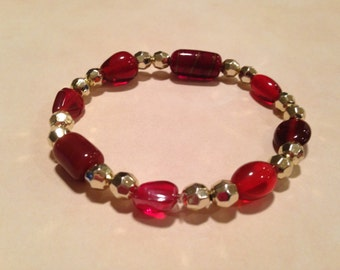 Red and gold beaded stretchy bracelet
